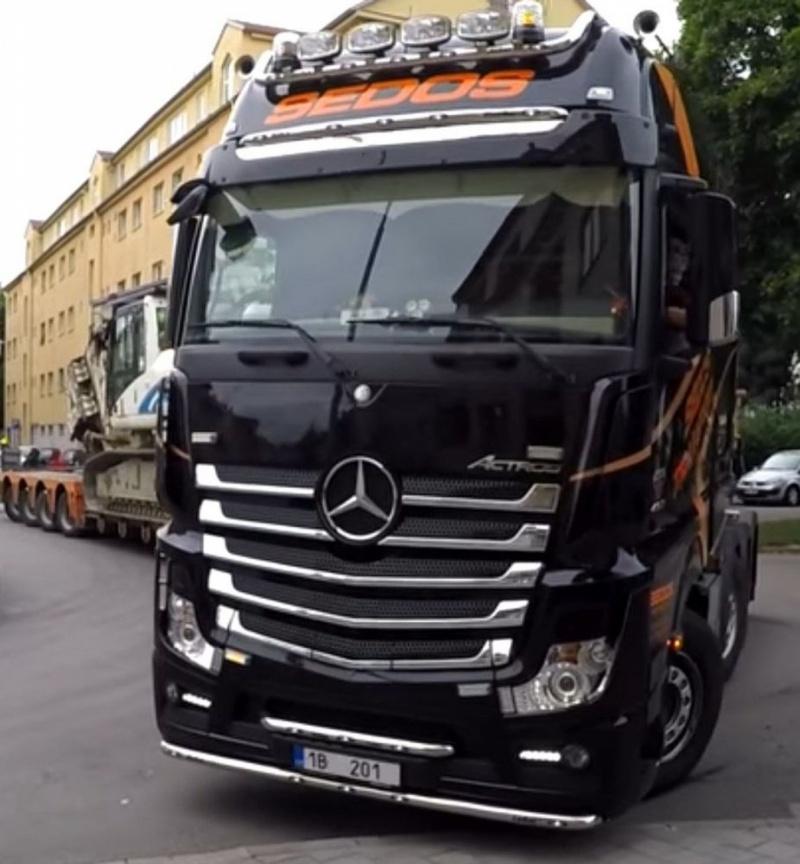 Mercedes Benz actros 4216