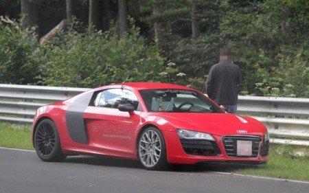 Audi R8 E-Tron снова в центре внимания
