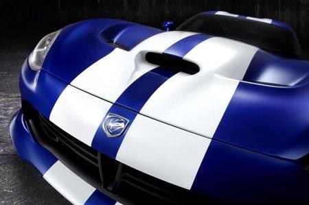 автомобиль Dodge Viper GTS 2013