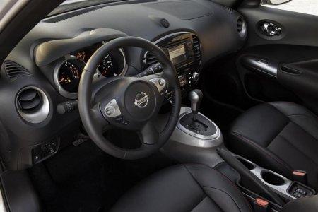 Интерьер Nissan Juke 2012