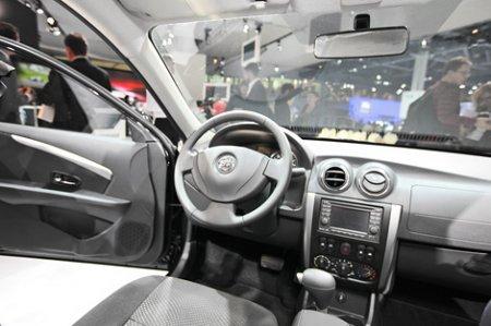 Салон седана Nissan Almera для России