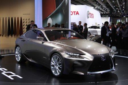 Lexus LF-CC на Парижском автосалоне