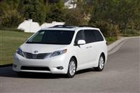 Toyota Sienna (Тойота Сиенна) 2012 - обзор, фото, цена, характеристики