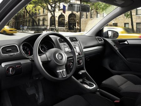 Салон Volkswagen Golf (Фольксваген Гольф) 2012