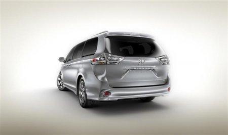 Вид сзади Toyota Sienna