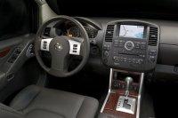 Салон Nissan Pathfinder 2012 года