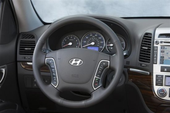Сиденье водителя в Hyundai Santa Fe 2010