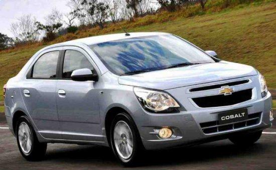Тест Chevrolet Cobalt и Nissan Almera
