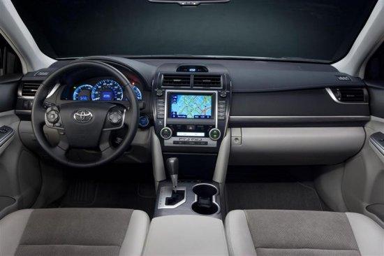 Салон Toyota Camry 2013