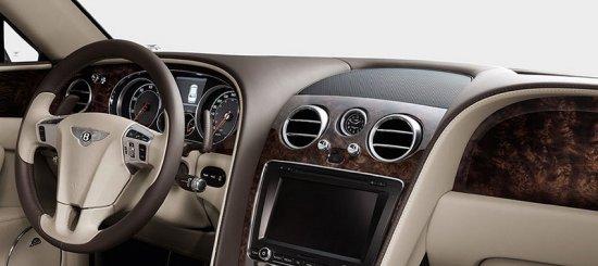 Панель управления в Bentley Flying Spur 2014