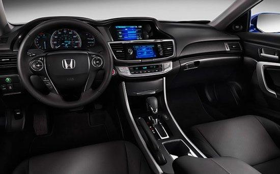 Салон Honda Accord 2014