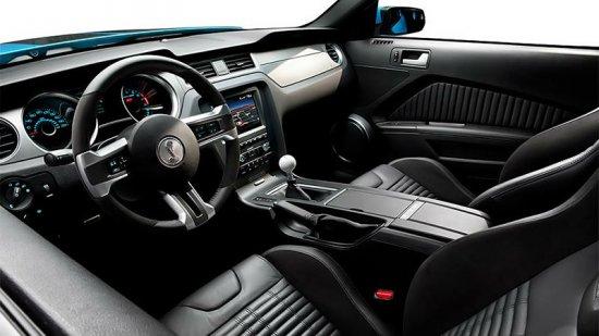 Салон Ford Mustang 2014