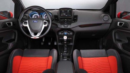 Салон Ford Fiesta 2014 года