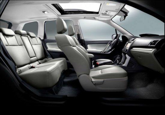 Салон Subaru Forester 2014 года