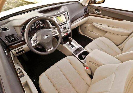 Фото салона Subaru Legacy 2014 года