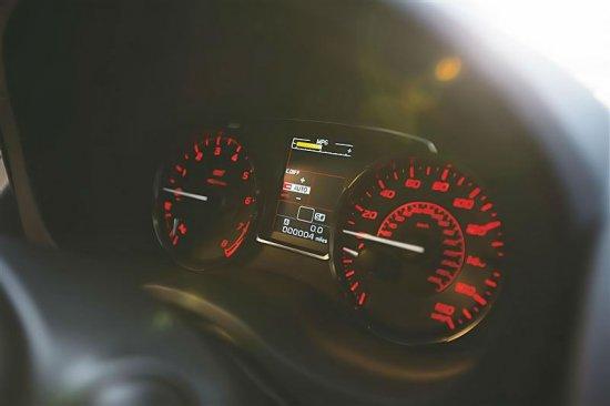 Дисплей для водителя Subaru WRX STi 2015
