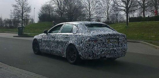Новая модель от Jaguar - XE