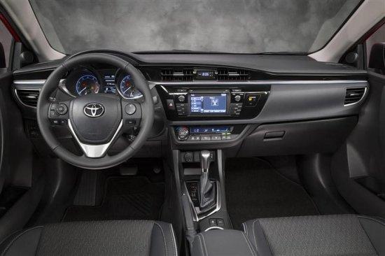 Салон Toyota Corolla 2015 года
