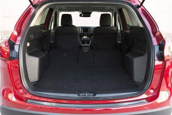 Багажное отделение салон Mazda CX-5 2015