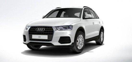 Белый Audi Q3 2015 года
