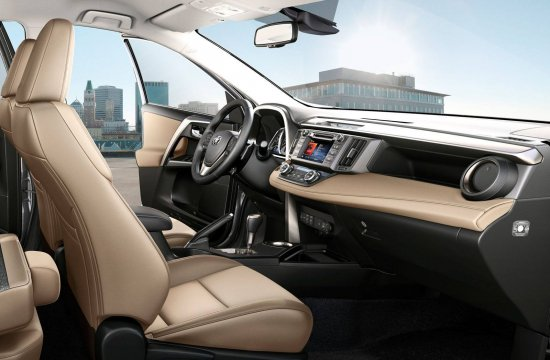 Интерьер Toyota RAV4