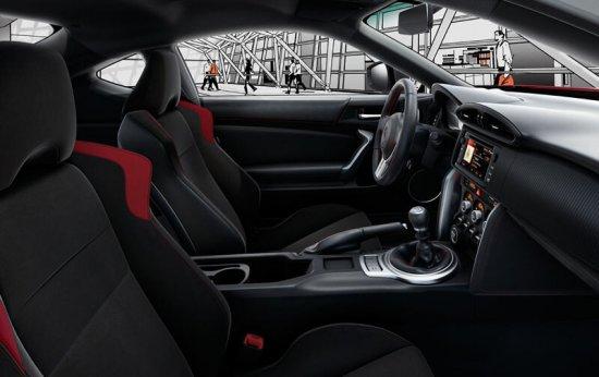 Салон Toyota GT86 2015