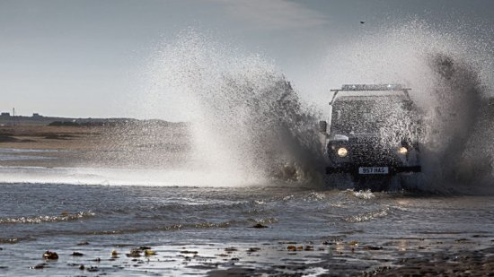 Внедорожник Land Rover Defender