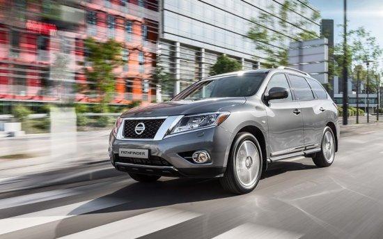 Сравнительный обзор Nissan Pathfinder и Hyundai Grand Santa Fe