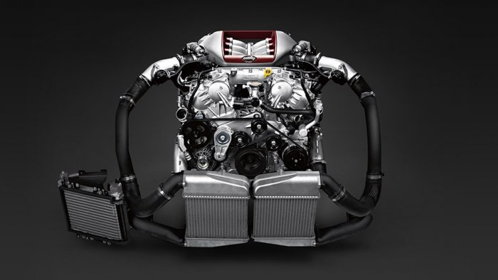 3.8-литровый Twin Turbo двигатель