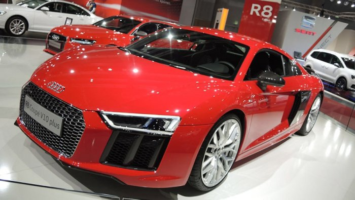 Заряженный Audi R8