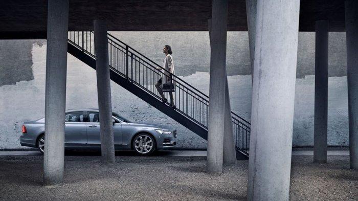 Стильный Volvo S90