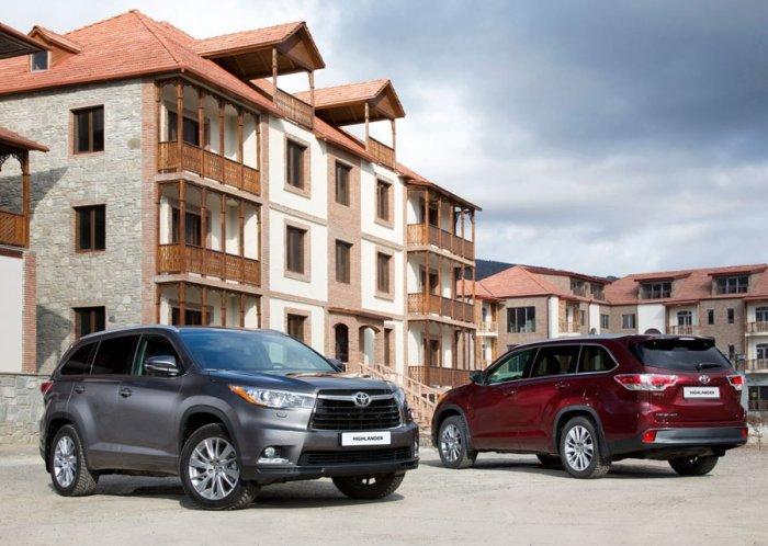 Toyota Highlander (Хайлендер) 2015 Цена, Комплектации, Фото и Технические характеристики