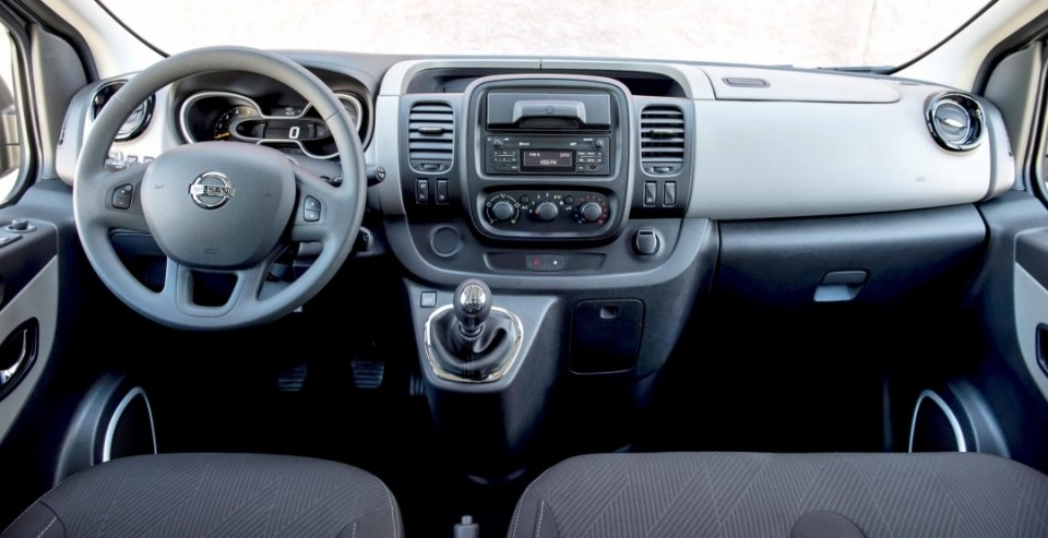 Nissan NV300 2017