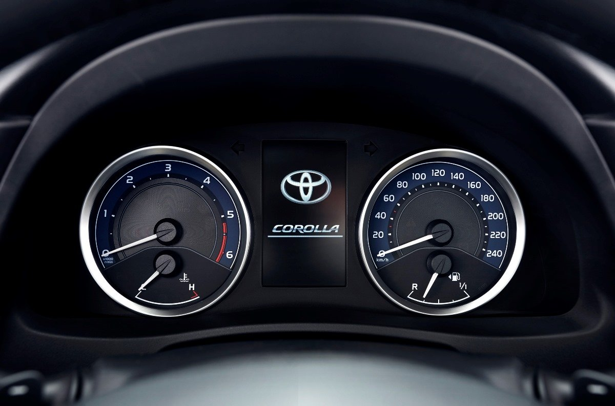 Toyota Corolla 2016 Рестайлинг