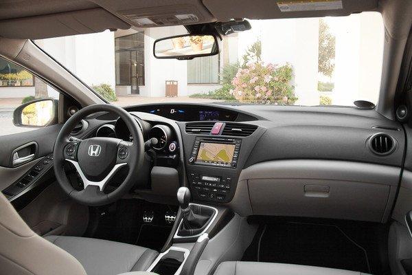 Новая Honda Civic. Удалась ли революция?