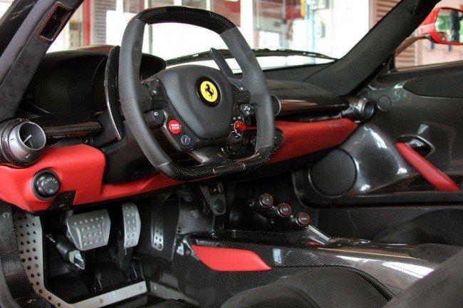 Тест-драйв совершенной Ferrari LaFerrari