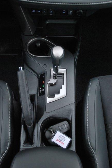 Тест-драйв эксклюзивной версии Toyota RAV4