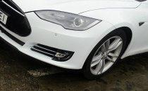 Большой смартфон с колесами. Обзор Tesla Model S
