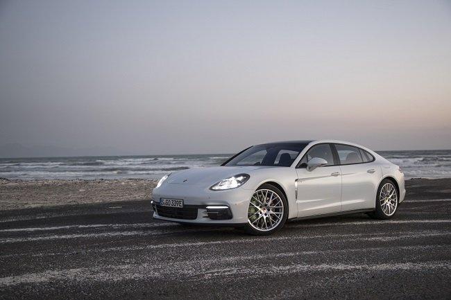 Тест-драйв гибрида Porsche Panamera 4