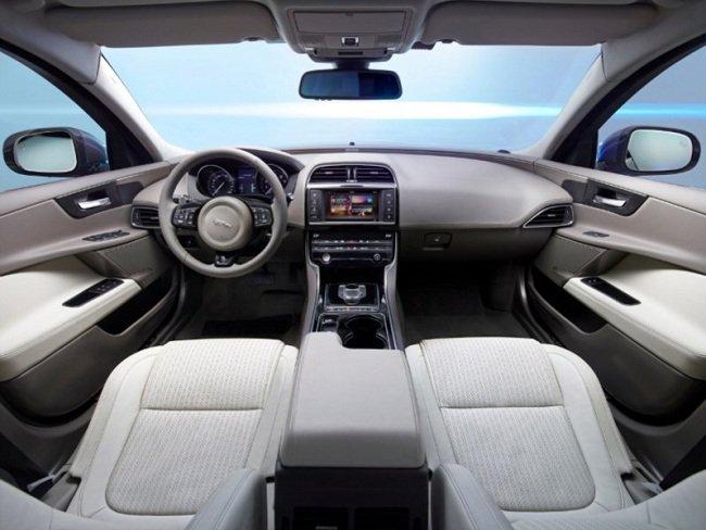 Обзор седана Jaguar XE