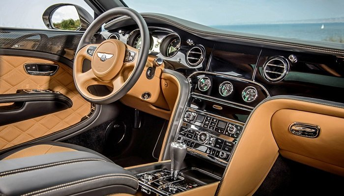 Тест-драйв шикарного автомобиля Bentley Mulsanne