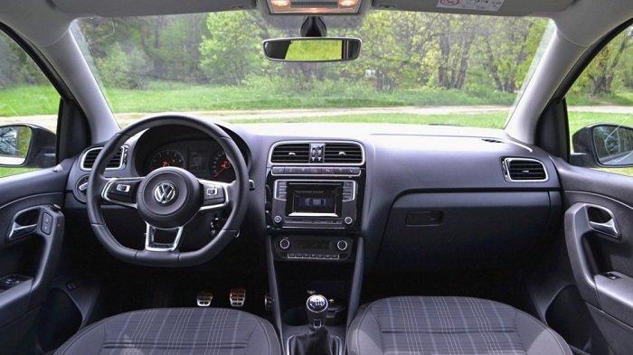 Тест-драйв спортивного Volkswagen Polo Sedan GT