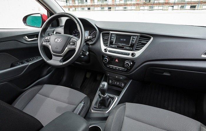 Lada Vesta или Hyundai Solaris?