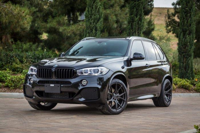 BMW X5 переходит на экономичный режим