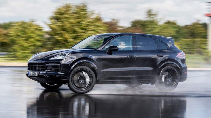 Новый Porsche Cayenne замечен во время испытаний