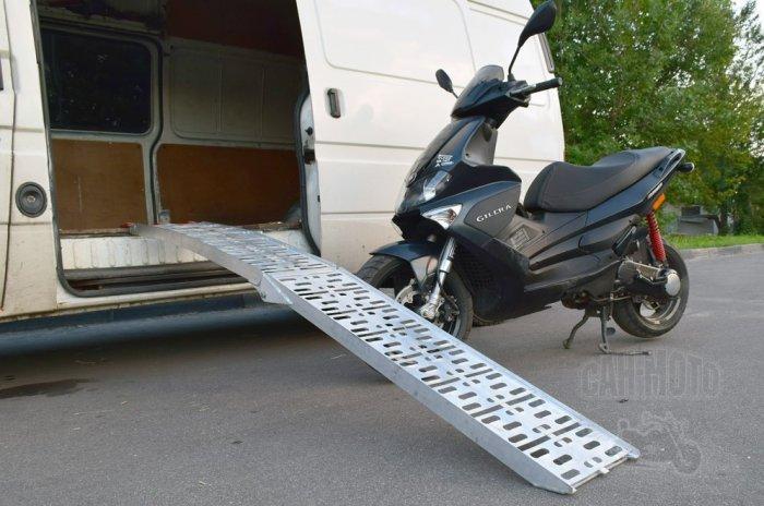 Срочная мотоэвакуация на дорогах. Как работает такой сервис